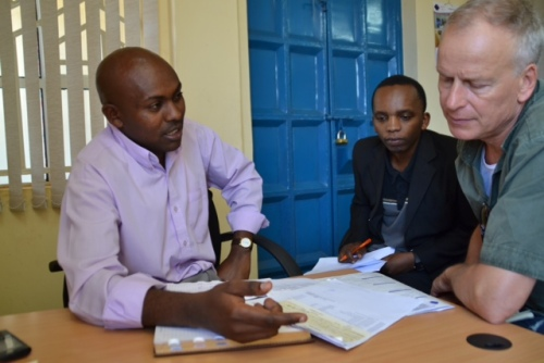 Solomon, branch manager in Limuru for Micro Africa. Kevin from MYC4s office in Nairobi and MYC4 co-founder Mads Kjær